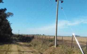 Nueva línea de media tensión en zona rural